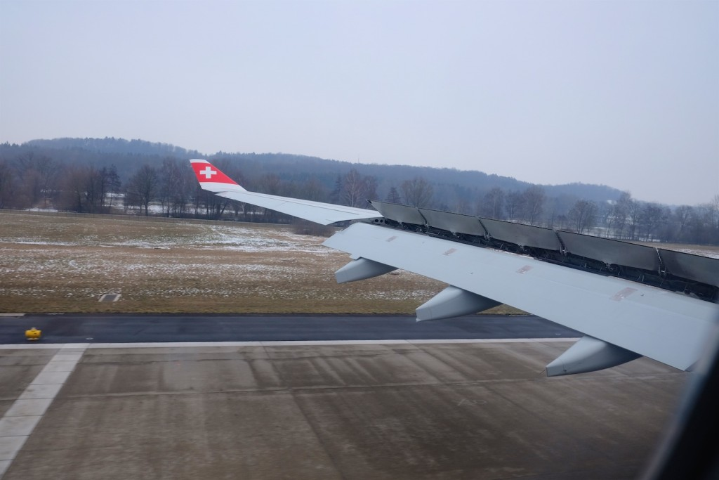 landing in Zurich, hardly any snow at the airport