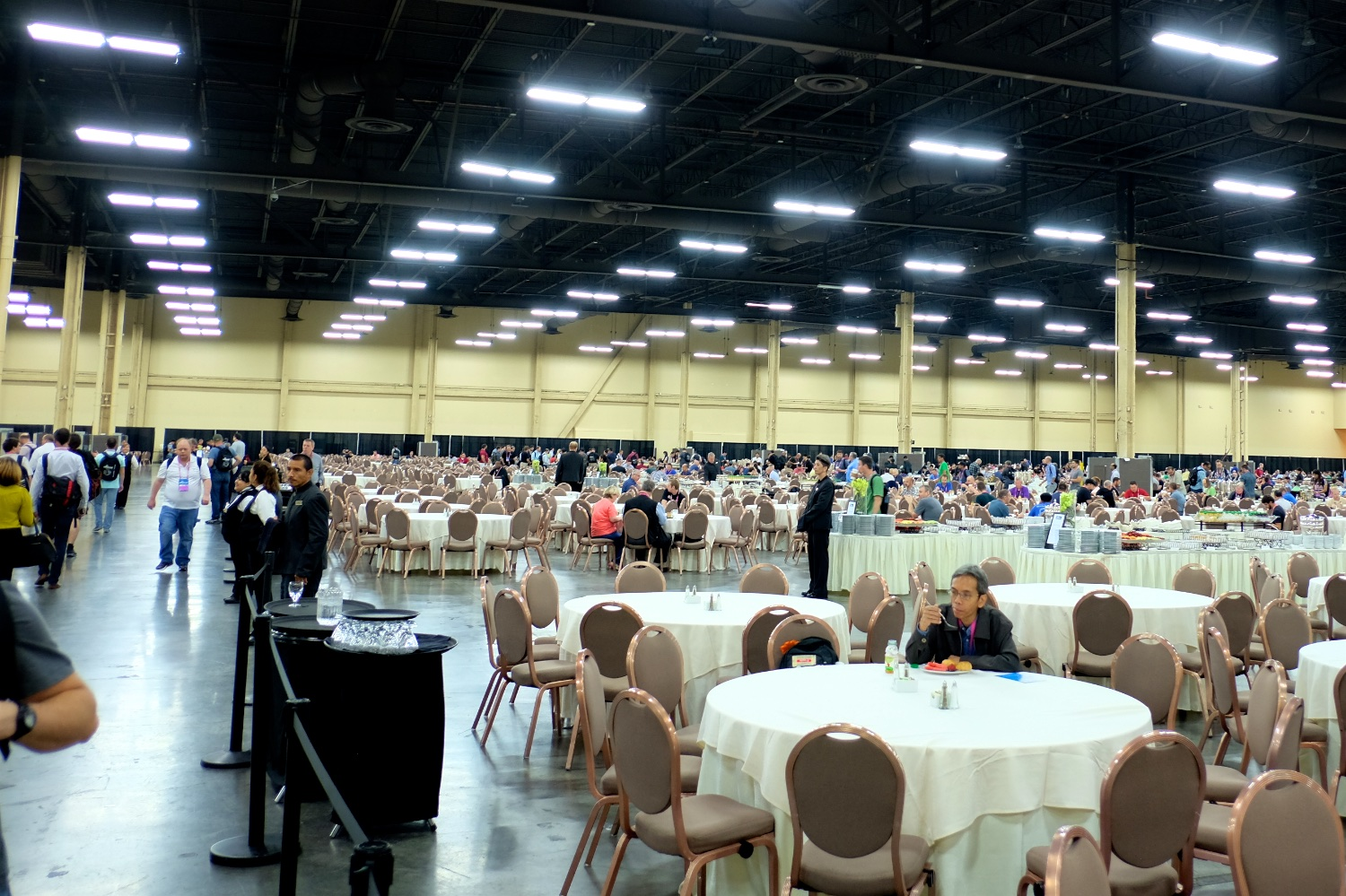 Black Hat breakfast and lunch room ... d8d6a98e832b